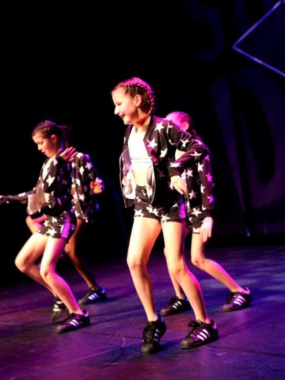Foto 5: Combineer sport en dans tijdens deze energie fit dance workshop