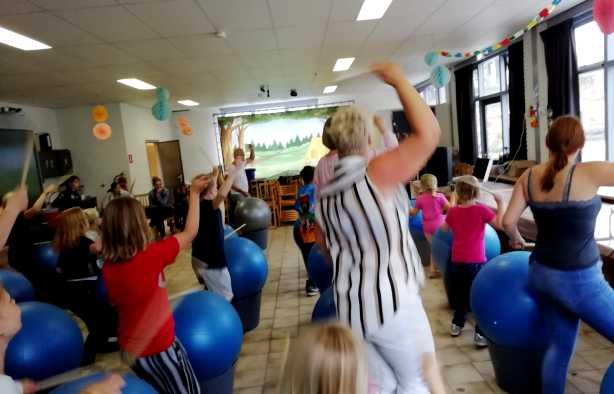 Foto 3: Drumble Dance - 100% drum- en dansplezier voor iedereen!