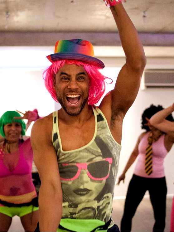 Foto 1: Heerlijk Swingen op oldie's  tijdens de disco dans workshop