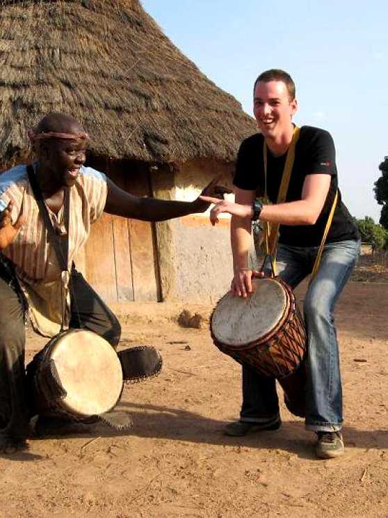 Foto 5: Djembe Workshop door een specialist in traditionele Afrikaanse percussiemuziek