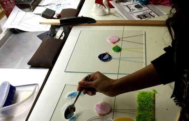Foto 4: Workshop Glasschilderen in Maassluis - Top activiteit voor de Crea bea's