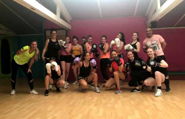 Foto 4: De full fitgirl experience met de girls fit workshop