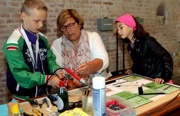 Foto 3: Workshop Glasschilderen in Maassluis - Top activiteit voor de Crea bea's