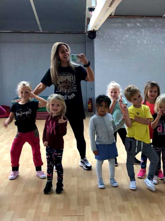 Foto 5: Workshop Kidsdance - Springen, zingen en vooral genieten van de leukste kinderliedjes