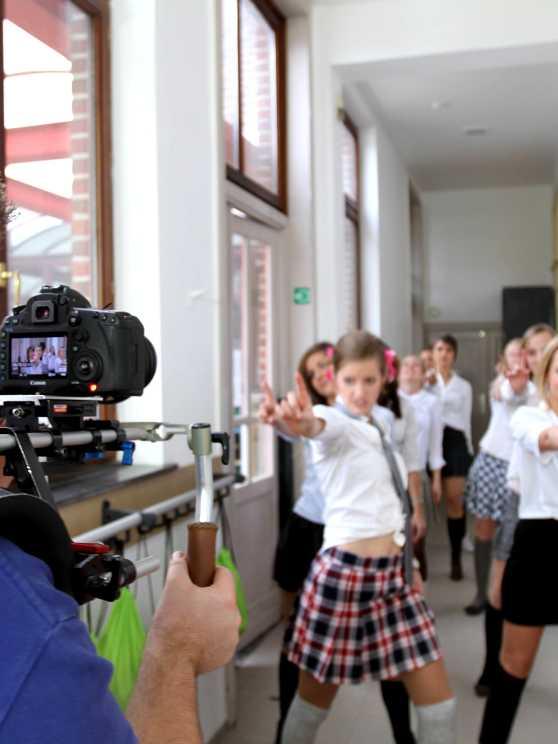 Foto 2: Neem een leuke videoclip op bij jullie nummer!