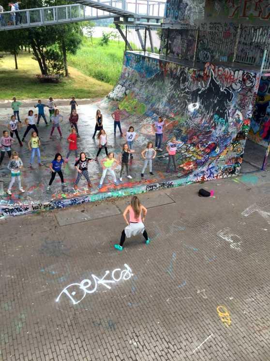 Foto 2: Verras iedereen met een toffe flashmob