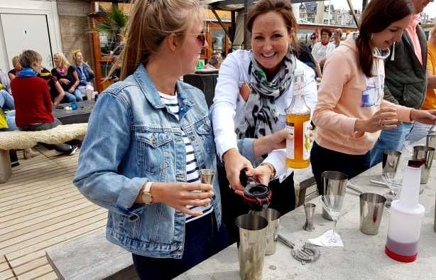 Foto 4: Meest gezellige Cocktail workshop aan het strand van Scheveningen