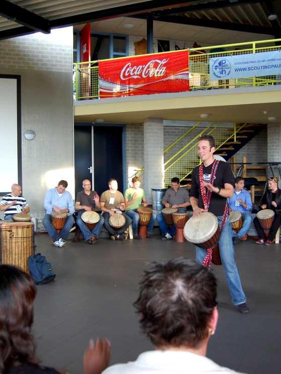 Foto 2: Djembe Workshop door een specialist in traditionele Afrikaanse percussiemuziek
