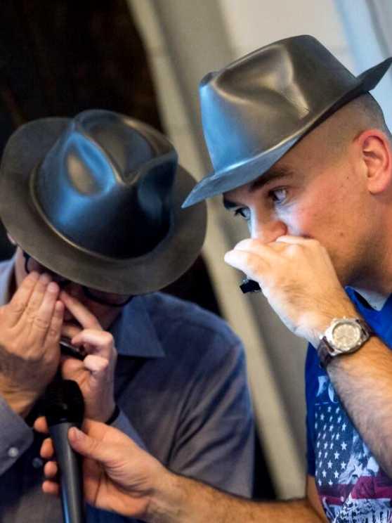 Foto 5: Kruip in de huid van de Blues Brothers