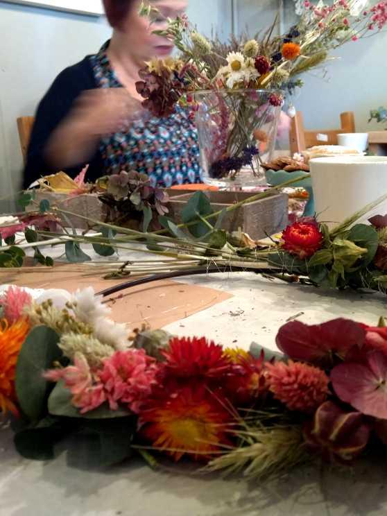 Foto 1: Workshop Droogbloemen Kransen - Gewoon bij jullie aan huis!