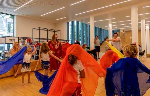 Foto 3: Workshop Buikdansen, Sierlijk, Elegant en Vrouwelijk!