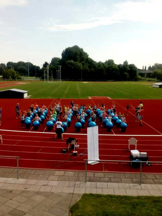 Foto 2: Drumble Dance - 100% drum- en dansplezier voor iedereen!