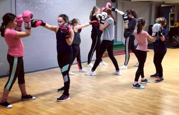 Foto 3: De full fitgirl experience met de girls fit workshop
