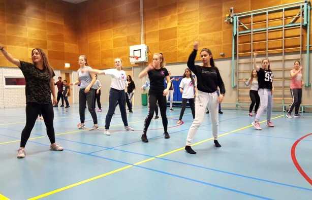Foto 4: Combineer sport en dans tijdens deze energie fit dance workshop