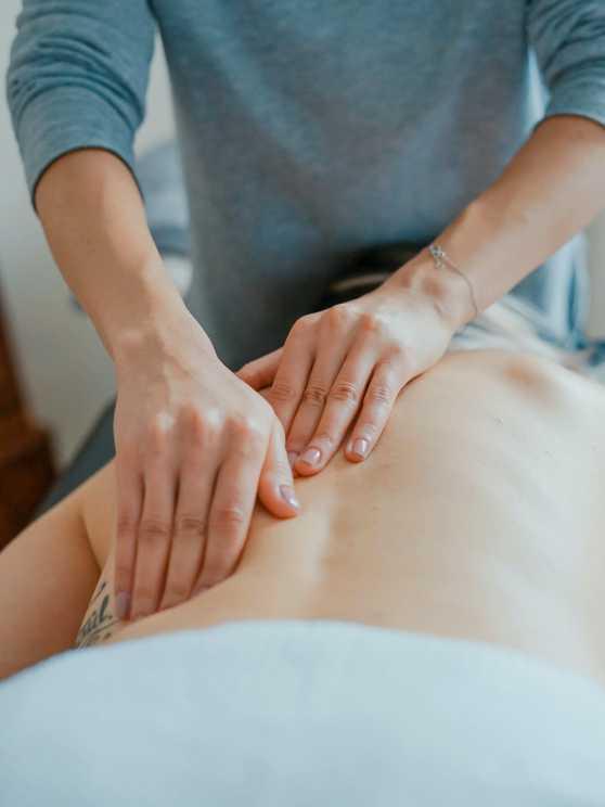 Foto 1: Online Massageworkshop