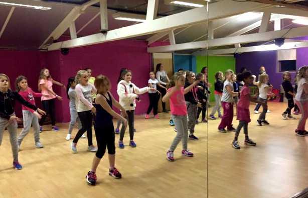 Foto 4: Workshop Kidsdance - Springen, zingen en vooral genieten van de leukste kinderliedjes