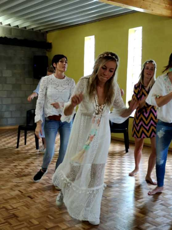 Foto 1: Doe eens lekker maf en leer een leuke choreo met deze flashmob experience!