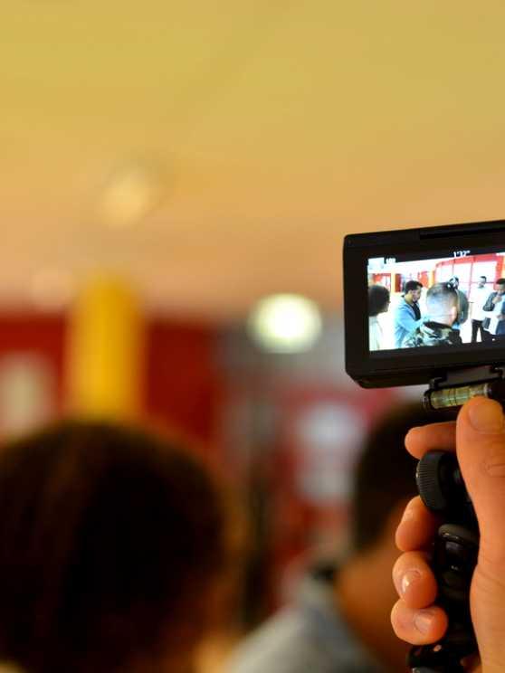 Foto 1: Ik leer je vloggen als een echte YouTube ster!