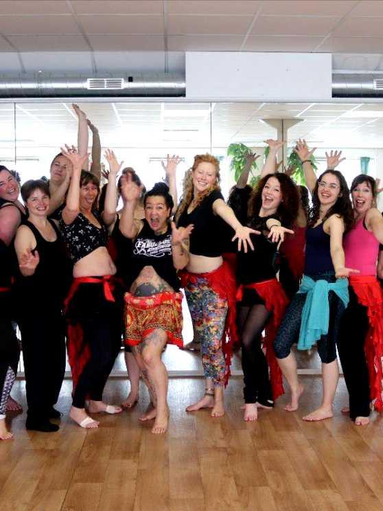 Foto 1: Workshop Buikdansen, Sierlijk, Elegant en Vrouwelijk!