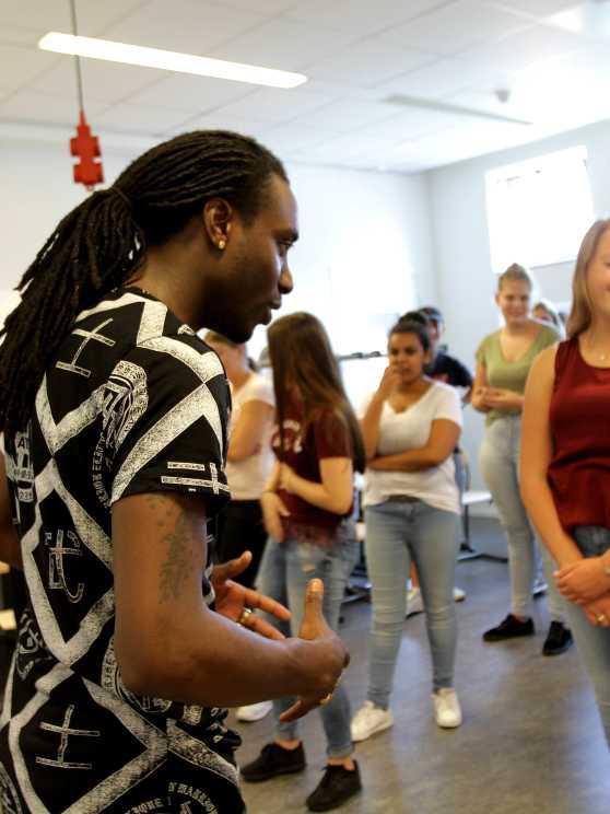 Foto 1: Hiphop dansen als in een echte videoclip