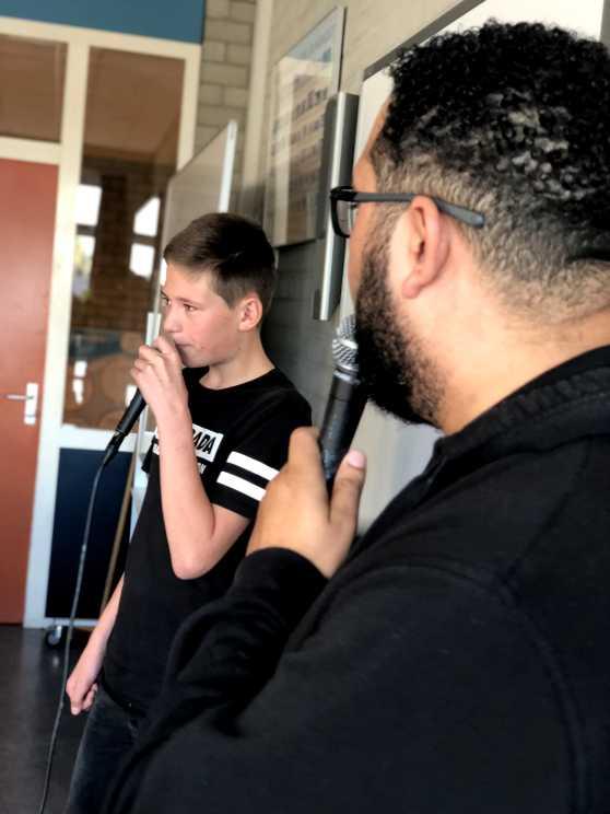 Foto 5: Ervaar een LIVE beatbox workshop alleen of samen met collega's