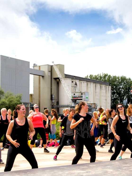 Foto 1: Dansen = Fun & Plezier