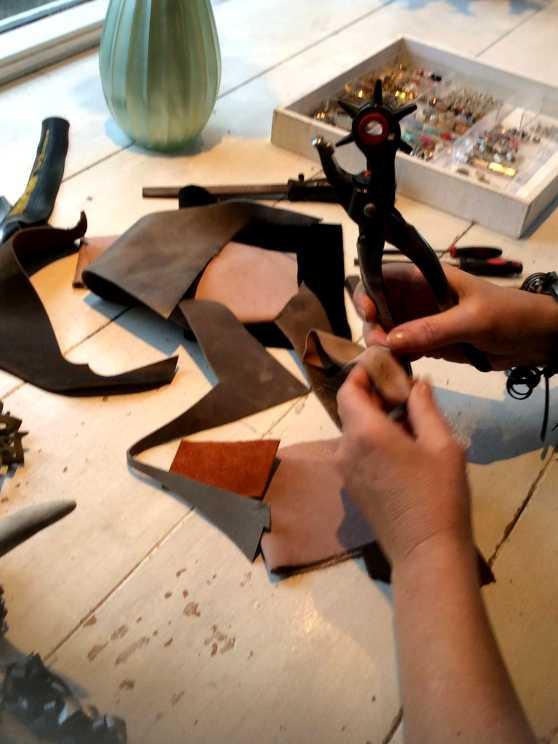 Foto 5: Workshop Sieraden Maken - Creatief met leer en rubber