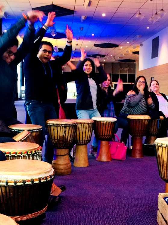 Foto 1: Djembe Workshop door een specialist in traditionele Afrikaanse percussiemuziek