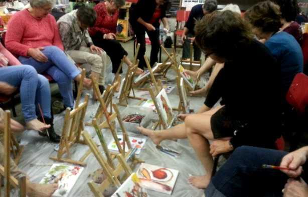 Foto 3: Workshop blote voeten schilderen, ludiek, creatief en heel veel lol